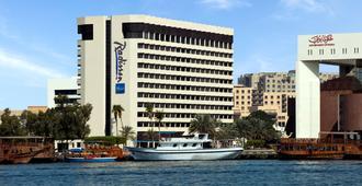 Radisson Blu Hotel, Dubai Deira Creek - Dubai - Edifício
