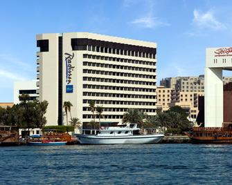 Radisson Blu Hotel, Dubai Deira Creek - Dubai - Building