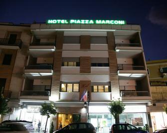 Hotel Piazza Marconi - Cassino - Building