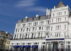 Cavendish Hotel - Eastbourne - Building