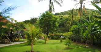 Tiara Homestay Pemuteran Bali - Gerokgak - Vista del exterior