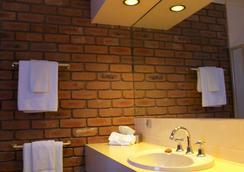 夏日之丘汽車旅館 - 美里姆布拉 - 默里姆布拉 - 浴室