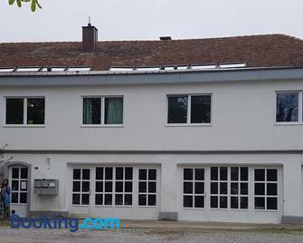 Bio Hof Moosburg - Güttingen - Building
