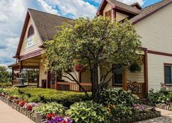 Econo Lodge & Suites - Grand Rapids - Edificio