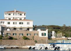 Mercure Civitavecchia Sunbay Park Hotel - Civitavecchia - Outdoors view