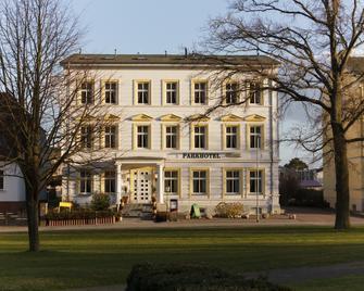 Parkhotel del Mar - Saßnitz - Building