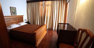 Residencial Funchal - Funchal - Schlafzimmer