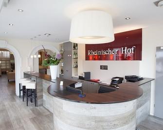 Hotel Rheinischer Hof - Bad Soden am Taunus - Front desk