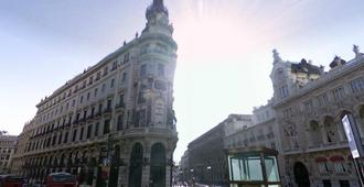 Hotel Regina - Madrid - Building