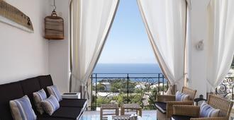 Capri Tiberio Palace - Capri - Living room
