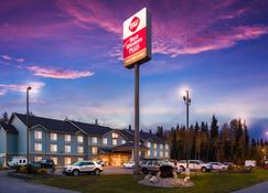 Best Western Plus Chena River Lodge - Fairbanks - Κτίριο