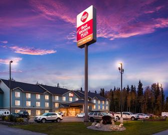Best Western Plus Chena River Lodge - Фейрбенкс - Building