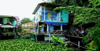 New Phiman Riverview Guesthouse - Hostel - Bangkok - Outdoors view