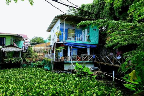 New Phiman Riverview Guesthouse - Hostel - Bangkok - Outdoor view