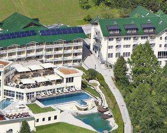 Wellness-Golf-Ski-Familien-Hotel Dilly - Windischgarsten - Gebäude