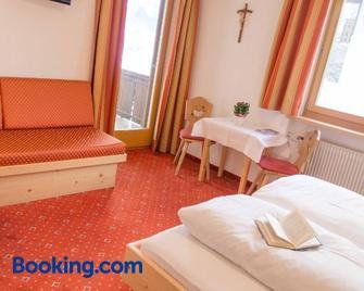 Hotel Sonnenheim - Chienes/Kiens - Slaapkamer