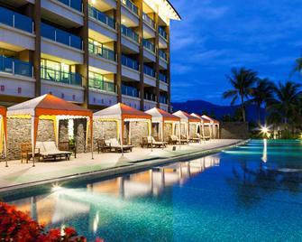 Luminous Hot Spring Resort & Spa - Luye Township - Pool
