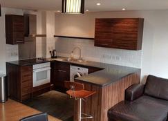 Odyssey House - Twickenham - Cocina