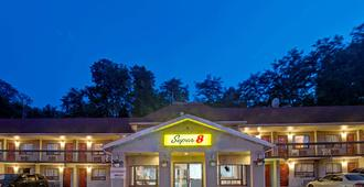Super 8 by Wyndham Niagara Falls North - Niagarafallene - Bygning