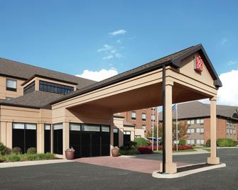 Hilton Garden Inn South Bend - South Bend - Building