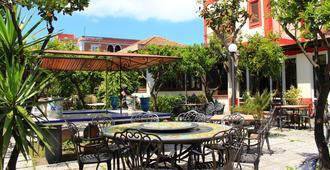 Hotel Oriente - Lipari - Patio