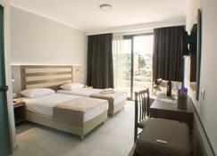 Perla Hotel Halkidiki - Kallithea - Makuuhuone