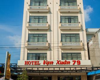 Hotel Van Xuan 79 - Chau Doc - Gebouw