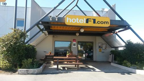 聖特斯 F1 酒店 - 聖提斯 - 桑特 - 建築