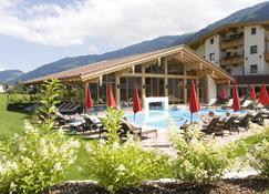 Hotel Wöscherhof - 4 Sterne Superior - Uderns - Pool
