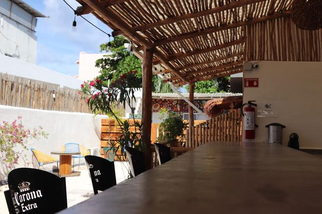 Wabi Hostel - Playa del Carmen - Patio