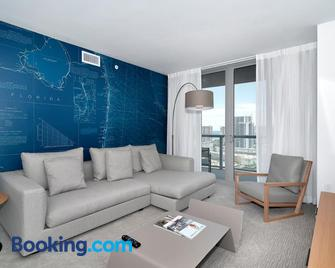 Private Residences At Beachwalk By Sofla Vacations - Халландейл Біч - Living room
