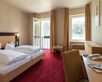 Rheinhotel Lamm - Rüdesheim am Rhein - Bedroom