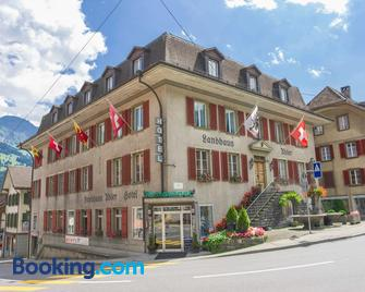 Hotel Landhaus Adler - Frutigen - Gebouw
