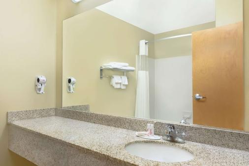 塔斯卡羅薩阿拉巴馬大學豪生酒店 - 土斯卡路沙 - 塔斯卡盧薩 - 浴室