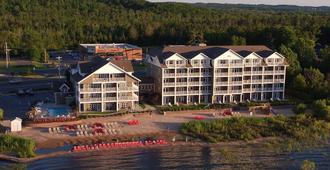Cherry Tree Inn & Suites - Traverse City