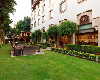 Islamabad Serena Hotel - Islamabad - Gebouw