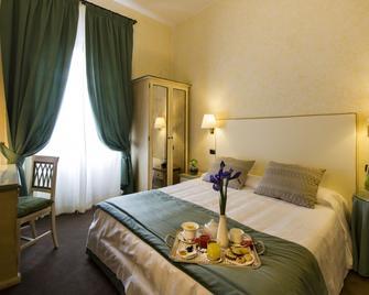 Hotel Gattapone - Gubbio - Bedroom
