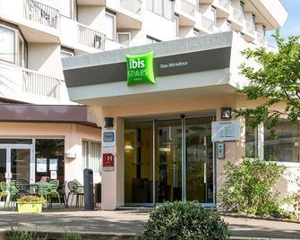 Ibis Styles Dax Miradour - Dax - Building