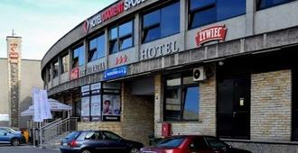 Hotel Diament Spodek Katowice - קטוביץ