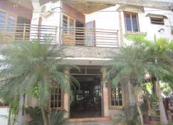 Hotel Sherwood - Tela - Edificio