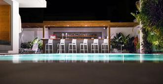 مانوسوس سيتي هوتل - مدينة رودس - حوض السباحة