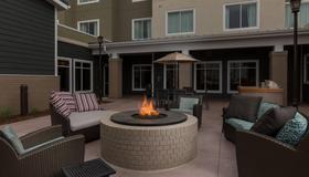 Residence Inn by Marriott Denver Central Park - Denver - Patio