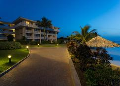 Holiday Inn Sunspree Resort Montego Bay - Montego Bay - Building