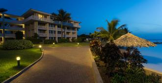 Holiday Inn Sunspree Resort Montego Bay - Bahía Montego - Edificio