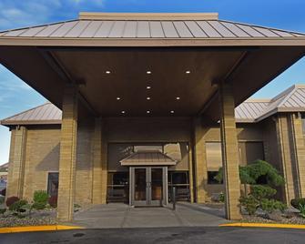 Best Western Plus Ahtanum Inn - Yakima - Gebouw