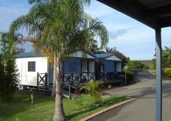 Colonial Palms Motel & Cabins (Adults Only) - Ulladulla - Outdoors view