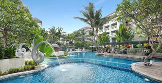 Swiss-Belresort Watu Jimbar - Denpasar - Pool