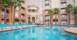 The Point Hotel & Suites - Orlando - Pool