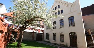 Denkmal 13 - Wismar - Building