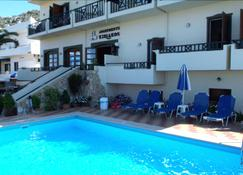 Kiriakos Apartments - Stalida - Pool